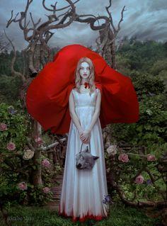 Red Riding Hood. Art by Natalie Shau.