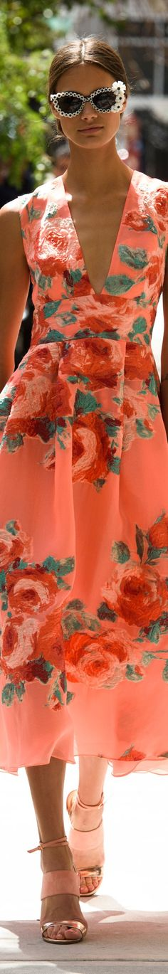 Just love this dress. When I was much younger I had a dress almost like it. Always loved wearing it!