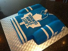 """""""A pretty sweet pic of a cake that sent to us by Hockey Rules, Sweet Pic, Love My Boys, Best Fan, Toronto Maple Leafs, Cupcake Cakes, Cupcakes, Cake Art, Slow Cooker Recipes"""