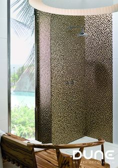 Ceramic mosaic of gold squares and surface engravings. Interior S, Tiles, Neutral, Curtains, Home Decor, Gold, Mosaics, Creativity, Architecture