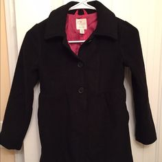 Girls coat Black coat.. Size 7/8 for a little girl... Some lint balls.. The childrens place Jackets & Coats Pea Coats