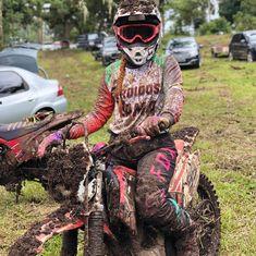Motocross Love, Enduro Motocross, Motocross Girls, Dirt Bike Gear, Motorcycle Bike, Lady Biker, Biker Girl, Dirt Bike Quotes, Mudding Girls