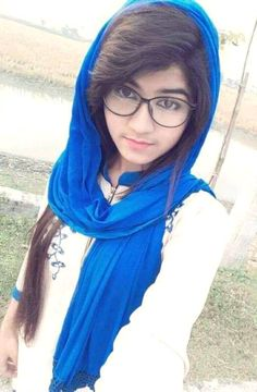 Cute Girl Poses, Cute Girl Pic, Cute Girls, Beautiful Girl Indian, Beautiful Hijab, Beautiful Children, Girls Dp Stylish, Stylish Girl Images, Islamic Girl Pic