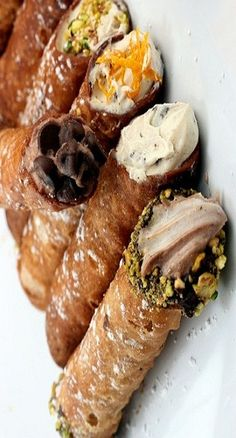 cannoli cooking tips guide Italian Desserts, Mini Desserts, Delicious Desserts, Yummy Food, Wine Recipes, Paleo Recipes, Sweet Recipes, Cooking Recipes, Cooking Tips