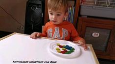 Preschool Learning Activities, Indoor Activities For Kids, Infant Activities, Visual Perception Activities, Community Helpers Preschool, Facial Expressions, Kids Education, Pom Poms, Kids Playing