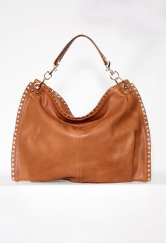Handbag with Gold Detail Edges #PrivateGallery #PGPackingList love this for any use and for any season!