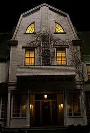 """Absolute Spookiest Scary Movie Places You Can Visit in Real Life (If You Dare!) Lutz House, """"The Amityville Horror"""" remakeLutz House, """"The Amityville Horror"""" remake Spooky Places, Haunted Places, Abandoned Places, Abandoned Houses, Creepy Houses, Spooky House, Haunted Houses, Haunted Dollhouse, Haunted Mansion"""