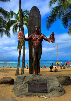 """Duke Kahanamoku's statue on Waikiki Beach"" (Honolulu, Oahu, Hawaii). Hawaii Life, Aloha Hawaii, Honolulu Hawaii, Hawaii Vacation, Hawaii Travel, Dream Vacations, Vacation Spots, Kauai, Visit Hawaii"