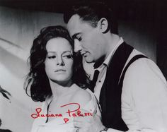 JAMES BOND GIRL LUCIANA PALUZZI FROM TV SERIES THE MAN FROM UNCLE AUTOGRAPHED PHOTO