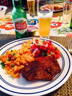 Colombian food: sobrebarriga al horno, torta de menudo al horno y ensalada roja de remolacha!!! Almuerzo tipico bogotano!