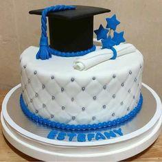 Resultado de imagen para tortas de promocion individuales de inicial Graduation Cake Designs, College Graduation Cakes, Graduation Desserts, Graduation Crafts, Graduation Cookies, Graduation Party Decor, Mini Tortillas, Creative Cake Decorating, Creative Cakes