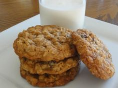 Make and share this Vanishing Oatmeal Raisin Cookies recipe from Food.com.