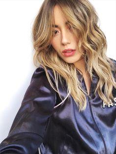 Hair, haircut, hairstyle, beauty Long Hair Cuts, Wavy Hair, New Hair, Messy Hair, Thin Hair, Curly Bangs, Curly Hair Styles, Pretty Hairstyles, Girl Hairstyles