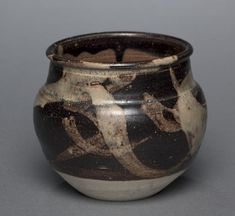 Jar: Jizhou Ware, 1200s-1300s, China, Jiangxi province, Ji-zhou kilns, Southern Song Dynasty (1127-1279) - Yuan Dynasty (1271-1368), glazed stoneware with resist and slip-painted decoration, Diameter - w:13.40 cm (w:5 1/4 inches) Overall - h:11.30 cm (h:4 7/16 inches). John L. Severance Fund 1986.14, Cleveland Museum of Art