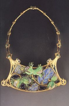 In 1887, Lalique exhibited his jewelry at the Exposition Nationale des Arts Industriels in Paris. While his designs were beginning to be recognized as great ...