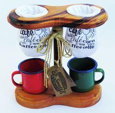 Compre Suporte coador de café no Elo7 por R$ 99,20 | Encontre mais produtos de Cozinha e Casa parcelando em até 12 vezes | Conjunto coador de café com suporte em madeira e dois coadores de pano.  Não acompanham as canecas  Produto artesanal feito com madeira de ótima qualidade, encerada c..., BFE2E3
