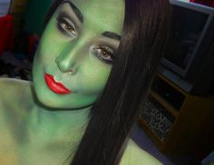 Halloween wicked witch makeup!!