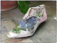 Image result for hormas de zapatos intervenidas