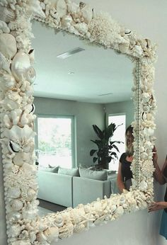 Large and XL mirrors made to order image 0 Seashell Projects, Seashell Crafts, Beach Crafts, Diy Home Crafts, Bougie Rose, Diy Mirror, Beach Mirror, Bedroom Colors, Bedroom Ideas