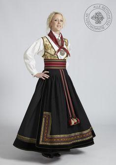 Beltestakk fra Telemark - BunadRosen AS Victorian, Classy Clothes, Scandinavian, Dresses, Design, Fashion, Hipster Stuff, Vestidos, Moda