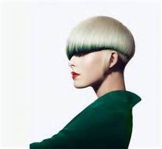 Vidal Sassoon 2012 green with envy. and utterly in ♥ with this vidal cut Layered Bob Hairstyles, Funky Hairstyles, 2014 Hairstyles, Hairstyle Short, Short Haircut, Hairstyle Ideas, Hair Styles 2014, Short Hair Styles, Color Block Hair