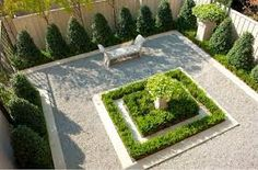 loving this mini french garden - traditional landscape by Isler Homes French Formal Garden, French Courtyard, Small Courtyard Gardens, Small Courtyards, Formal Gardens, Small Gardens, Modern Courtyard, Front Gardens, Modern Landscaping