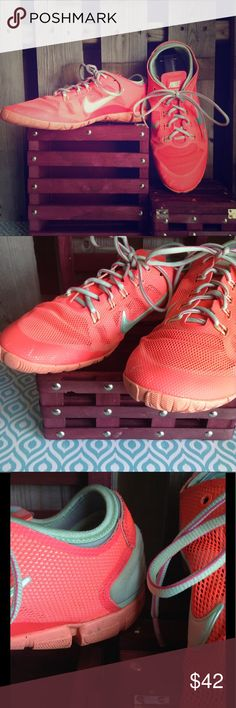 Nike free bionic v2 trainers mint coral sz 9 Great used condition. All wear pictured. Women's size 9. Nike Shoes Sneakers