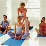 Teaching Yoga for Aerobic Benefits holds a challenging yoga posture - online yoga instructor training school - teaching yoga for aerobic benefits - traditional yoga schools - yoga instructors know Yin Yoga, Yoga Restaurador, Vinyasa Yoga, Yoga Instructor Certification, Become A Yoga Instructor, Health Education, Physical Education, Yoga Courses, Yoga Teacher Training Course