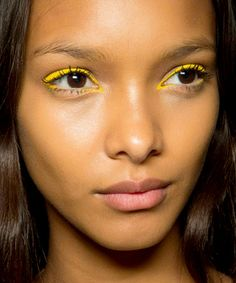 How to pull off bright eyeliner