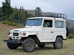 Toyota Land Cruiser FJ40! I love MY JEEP but this baby takes a close second. Some day...