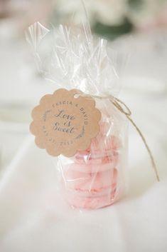 Gut Pink Macaron Wedding Reception Favors | LOVE TREE STUDIOS | Http://knot.