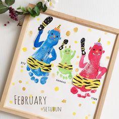 * * 6歳、3歳、5ヶ月のきょうだいの足型を使った「足型アート」 * 金棒は手の指を使って作ったそうです * 成長の記録に、こんなアートも素敵ですね♡…