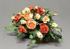 Floral Wreath, Wreaths, Home Decor, All Saints Day, Dekoration, Floral Crown, Decoration Home, Door Wreaths, Room Decor