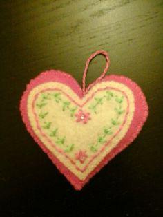 Coração decorativo ou porta chaves, completamente feito à mão, ideal para a mãe, filha, amiga, enfim, para todas!