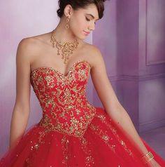 Lo que dice el color de tu vestido de Quinceaños