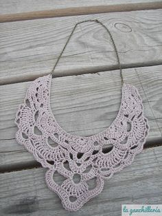 crochet collar (with link to free pattern)