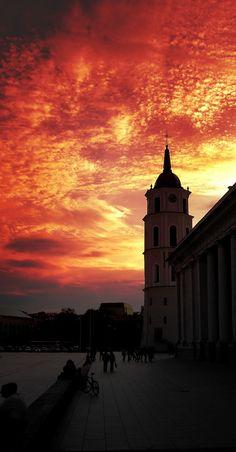Cathedral, Vilnius / Find us on: www.facebook.com/TcTrips