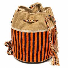 Tapestry Crochet Patterns, Weaving Patterns, Mochila Crochet, Tribal Bags, Tapestry Bag, Knitted Bags, Crochet Accessories, Bucket Bag, Print Patterns