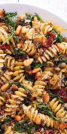 Italian Pasta with Spinach, Artichokes, Capers, Sun-Dried Tomatoes – foodvegetarian Fusilli Pasta Recipe, Fusilli Recipes, Pasta Recipes, Salad Recipes, Cooking Recipes, Drink Recipes, Artichoke Pasta, Artichoke Recipes, Veggie Recipes