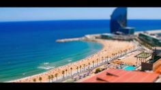 SUMMER BARCELONA by Pau García Laita. A day in the life of Barcelona, in miniature. Filmed during 2012 summer.