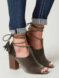 f43419b30bd 357 Best Women s Shoes images in 2019