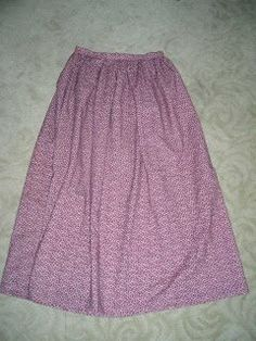 Buns and Baskets: The Not-So-Pioneer Skirt Tutorial This is the pattern and tutorial I have used for our trek skirts Sewing Clothes, Diy Clothes, Clothes For Women, Pioneer Costume, Pioneer Trek, Pioneer Farms, Pioneer Girl, Pioneer Clothing, Skirt Tutorial