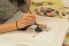 Atelier De Pictat Tricouri – LA SEDIU – Art & Hobby Studio București Art Courses, Creative, Cards, Atelier, Maps, Playing Cards