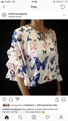 I like the fabric pattern and the design. Stylish Tops, Stylish Dresses, Fashion Dresses, Blouse Styles, Blouse Designs, Sleeves Designs For Dresses, Frock Design, Dress Sewing Patterns, Fashion Today