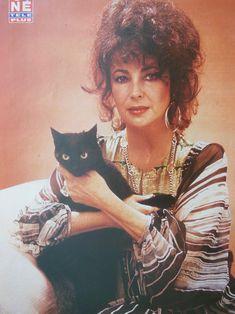 Liz adore les chats noirs