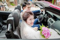 Choáng với đám cưới xa hoa rước dâu bằng dàn ôtô gần 100 chiếc   Những ngày qua nhiều người ở TP. Sơn La vẫn chưa hết xôn xao trước hình ảnh về màn rước dâu hoành tráng có '1-0-2' được diễn ra vào 10/9.  Theo đó đám cưới được trang hoàng hoành tráng đặc biệt màn rước dâu có đến gần 100 chiếc xe ôtô của gia đình thu hút sự chú ý của nhiều người dân trong thành phố.  Chia sẻ với PV Báo Người Đưa Tin cô dâu Nguyễn Mai Ngọc (sinh năm 1993) vẫn còn vẹn nguyên cảm xúc hạnh phúc khi được bố mẹ hai…
