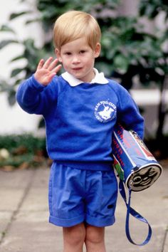 September 16, 1987: Prince Harry was accompanied by Prince Charles, Lady Diana and Prince William on his first day at Jane Mynor's Kindergarten in Notting Hill, London. (x)