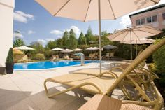 Maiers Wellnesshotel Loipersdorf - Außenanlage mit Pool