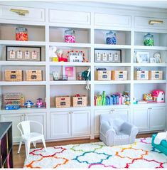 Dream kids play room with built in shelves and cabinets | Kids Room | Home Playroom Shelves, Playroom Organization, Organized Playroom, Playroom Ideas, Organization Ideas, Space Toys, Cabinet Decor, Toy Rooms, Craft Rooms