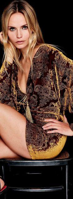 Shop Sexy Trending Bottoms – IVRose offers the best women's fashion Bottoms deals Fashion Shoot, Look Fashion, Girl Fashion, Winter Fashion, Womens Fashion, Fashion Design, Fashion 2018, Luxury Lifestyle Fashion, Natasha Poly